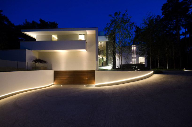 Lampadaire Led Interieur Dpl Europe Lights Up The Architecture Of Villa Noord-brabant