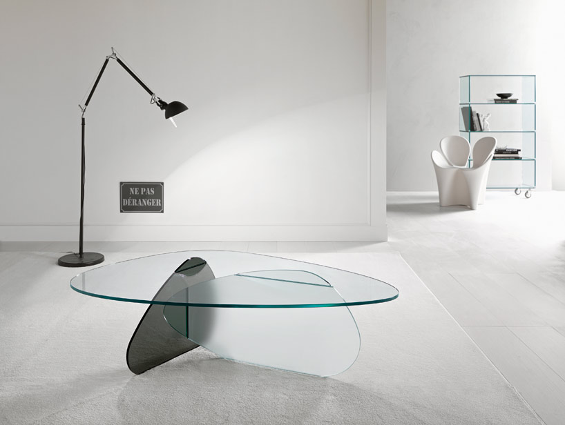 Couchtisch Square Karim Rashid Overlaps Glass Surfaces For Tonelli Design