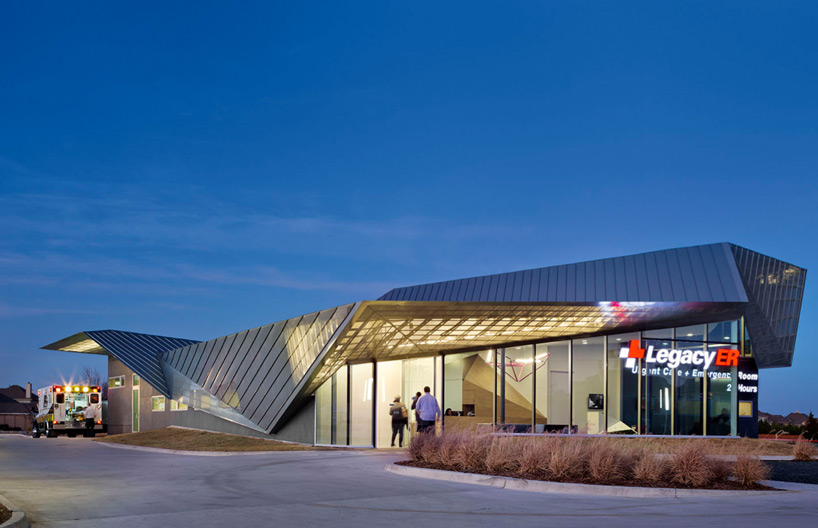 Light Eindhoven 5g Studio Folds Angular Roof Over Legacy Er In Allen Texas