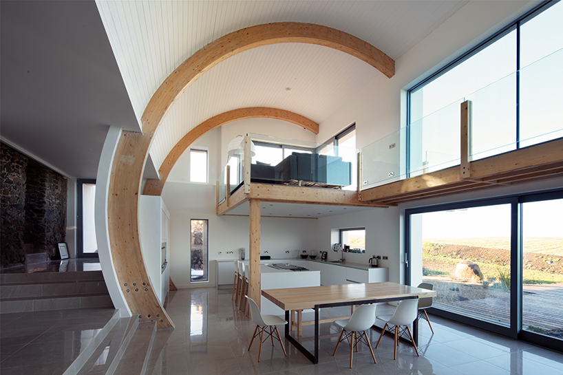 100 Year Old Irish House Restored With Curving Roof