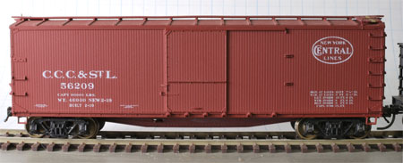 Accurail USRA double-sheathed box car