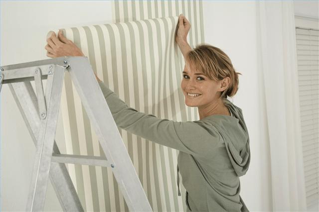 Installing Wallpaper - Design Build Pros
