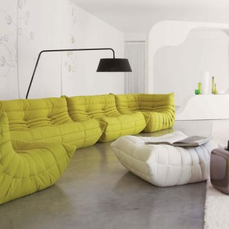 Large-and-Comfort-Green-Sofa-with-Unique-Lamp