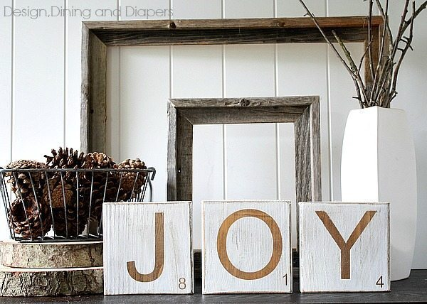 DIY Christmas Decor - Distressed JOY Scrabble Tiles via @tarynatddd