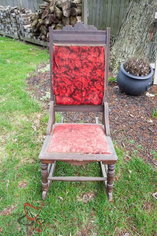 Antique Rocking Chair-Maison Blanche- Le Dirt1