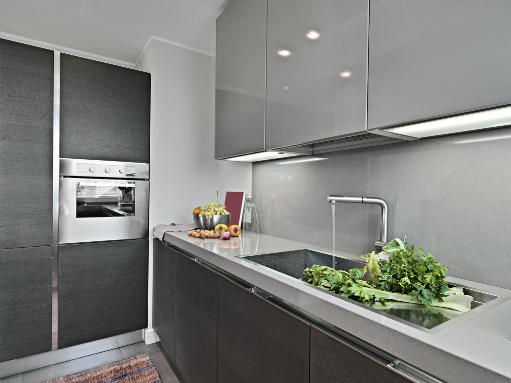 Backboard Saver Keuken Grey Kitchens Sharp And Streamline Kitchen Design