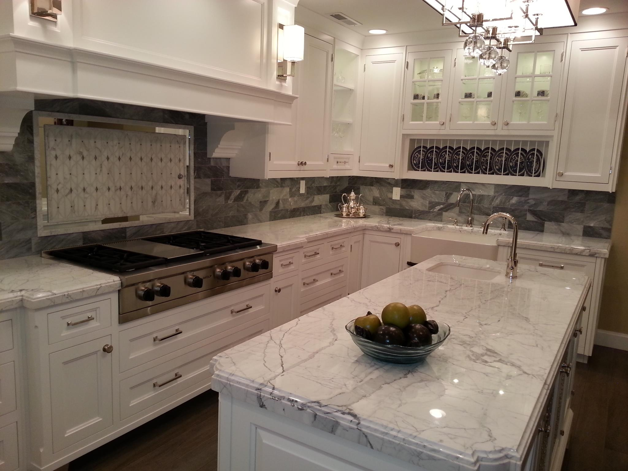 Different Countertop Surfaces Luxury Kitchens How To Hide Seams In Natural Stone