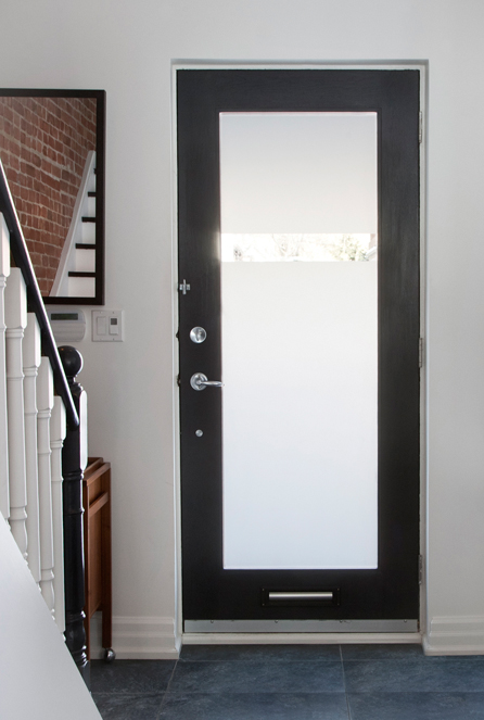 We could see an non frosted glass door for the back doors (RDC and