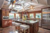 37 Craftsman Kitchens with Beautiful Cabinets - Designing Idea