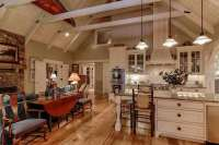 26 Farmhouse Kitchen Ideas (Decor & Design Pictures ...