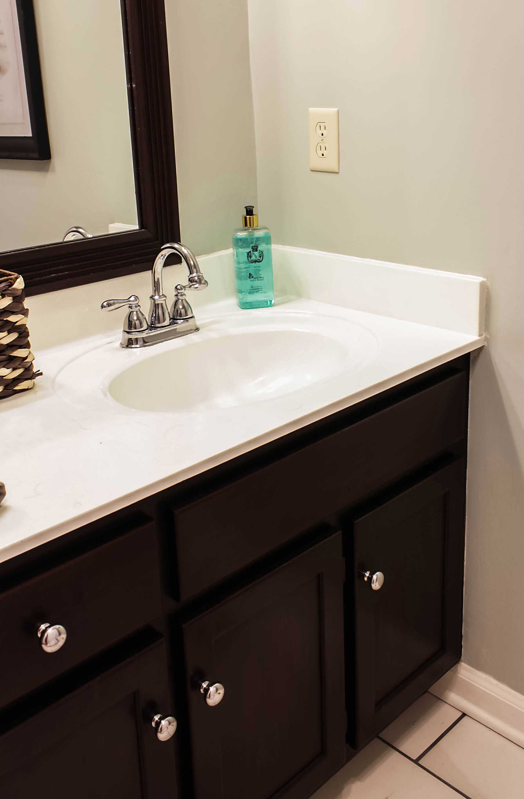 Bathrooms With Marble Countertops How To Paint Cultured Marble Countertops Diy