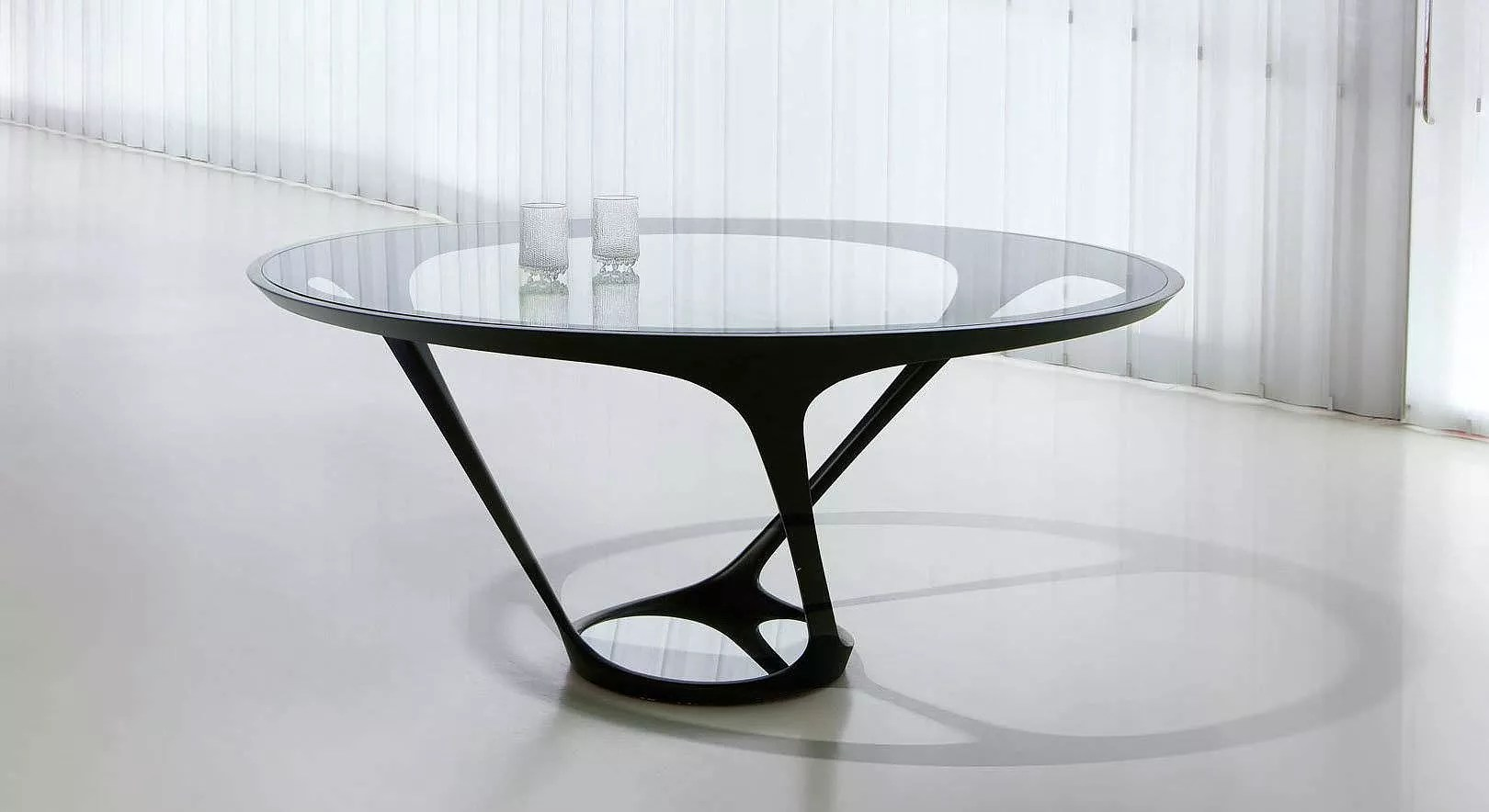 Couchtisch Glas Rund Design Ora-ito Round Dining Table By Roche Bobois. - Design Is This