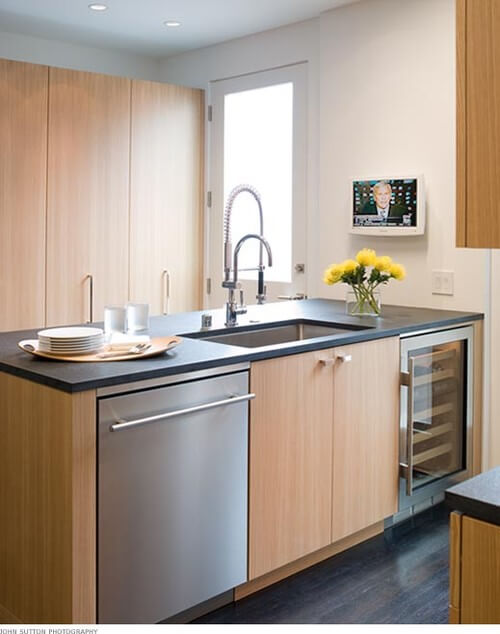 How To Restore Your Stainless Steel Kitchen Sinks