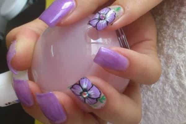 14 Pretty Purple Flower Nail Art Designs