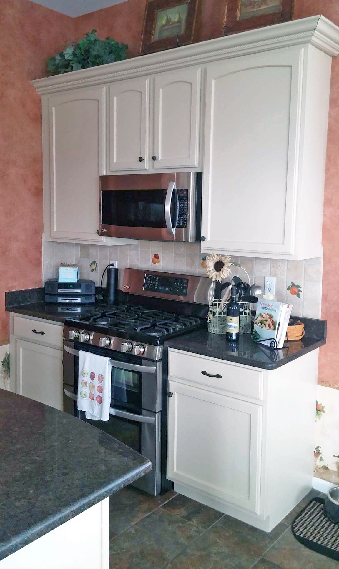 Paint Kitchen Cabinets White Or Black Linen Kitchen Cabinets | General Finishes Design Center