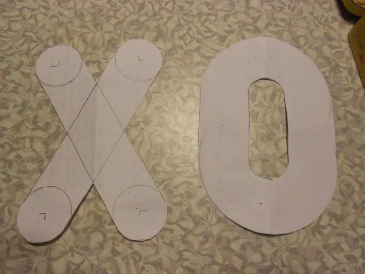 XOXOXO Pillow DSCN0507