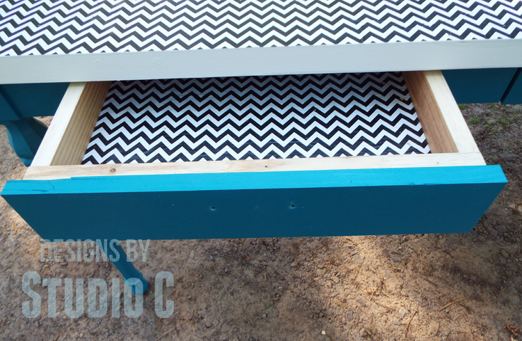 DIY Plans to Build a Desk with an Old Door_Drawer Lining