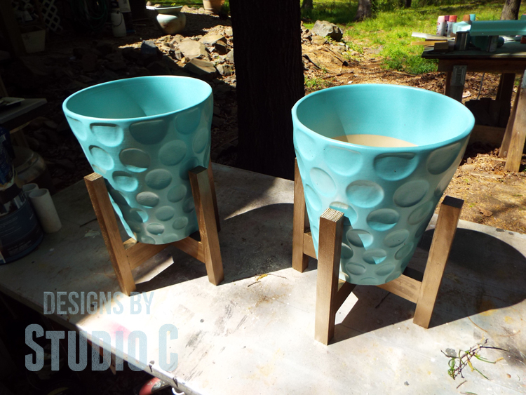 DIY Plant Stands Made with Recycled Wood - Pots In Stands