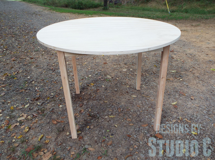 DIY Furniture Plans to Build a Simple Round Dining Table - Completed table