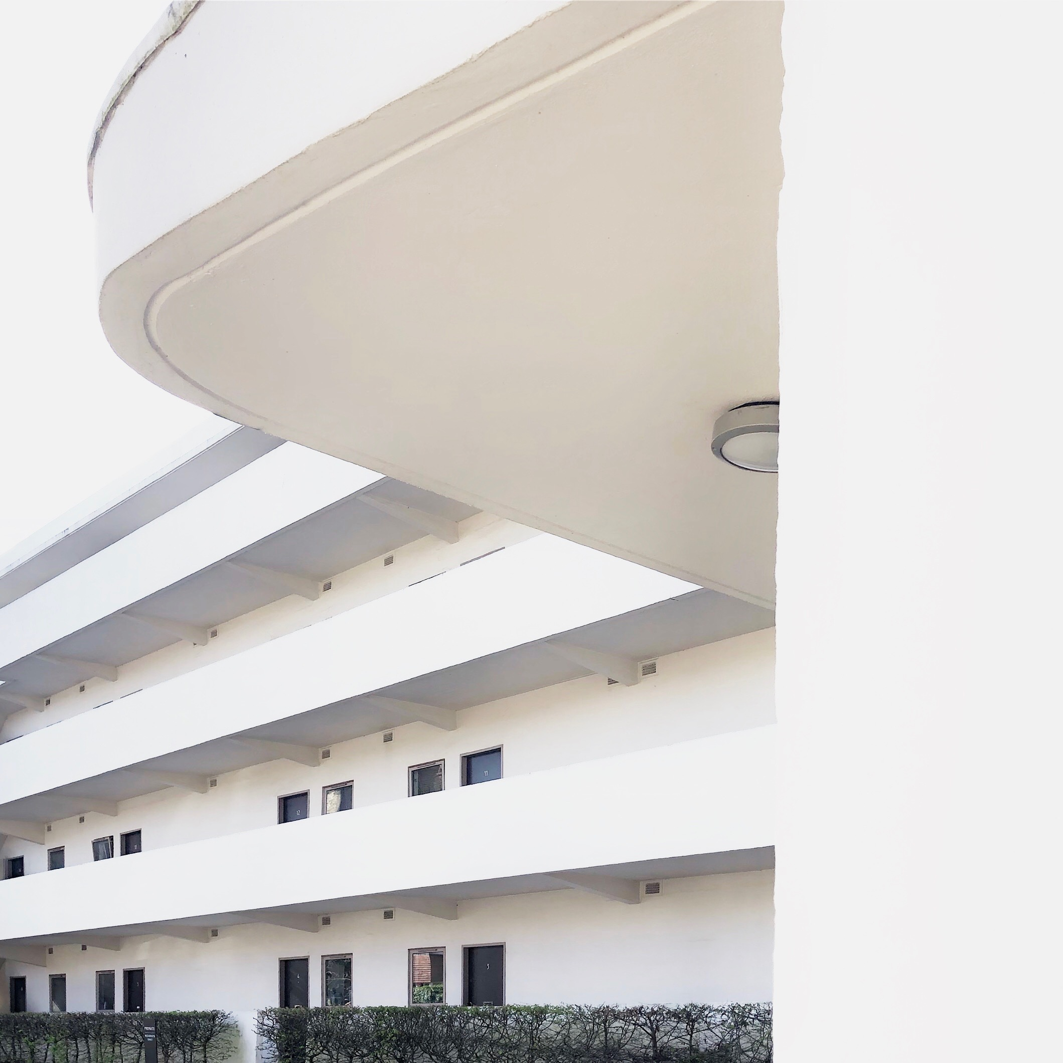 Marvellous Modernist The Isokon Building Owl S House London