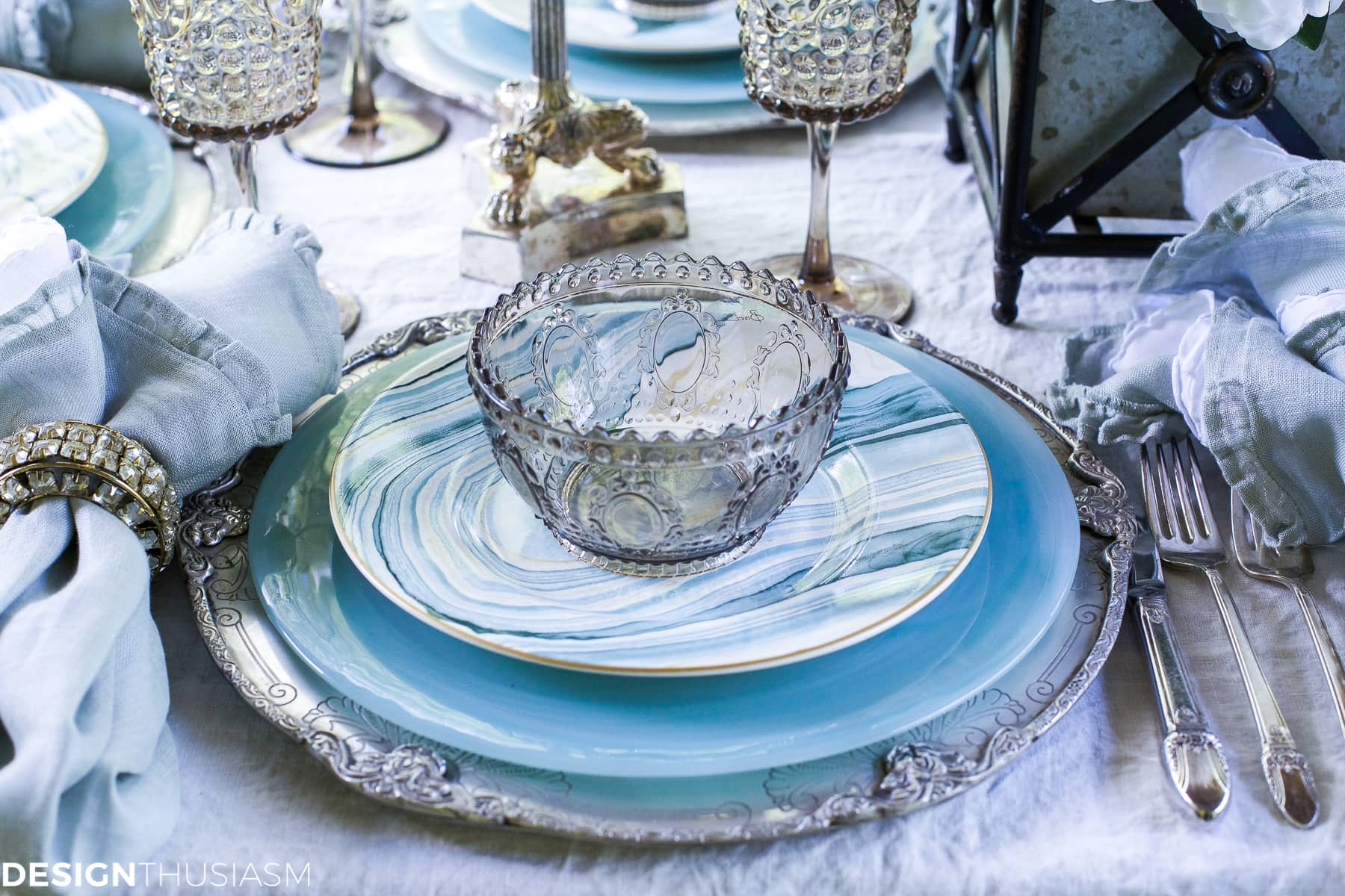 Seaside Decor Setting A Summer Table With Coastal Dinnerware & Beautiful Seaside Decor Setting A Summer Table With Coastal ...