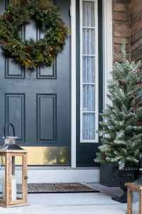 Easy Outdoor Christmas Decorating Ideas for a Tiny Front Porch