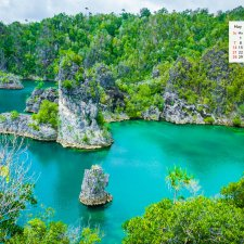 May 2017 Calendar – Download Desktop Wallpaper  from Indonesia