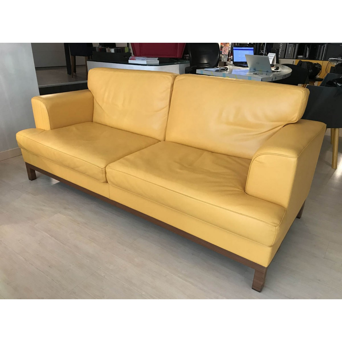 Divano Frau Novecento Prezzo Divano Frau Latest Poltrona Frau Socrate Sofa Person Couch With