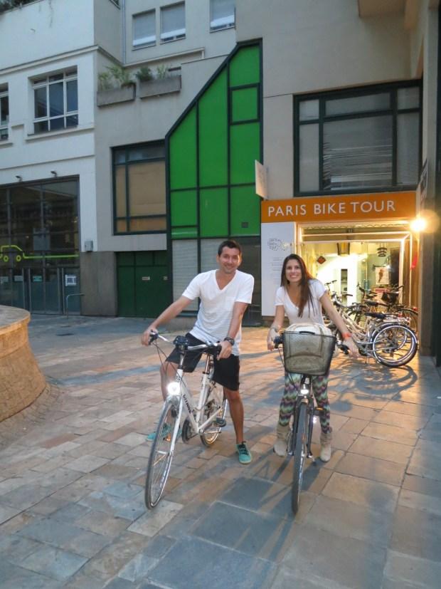 ponto de encontro meia-noite em Paris by bike