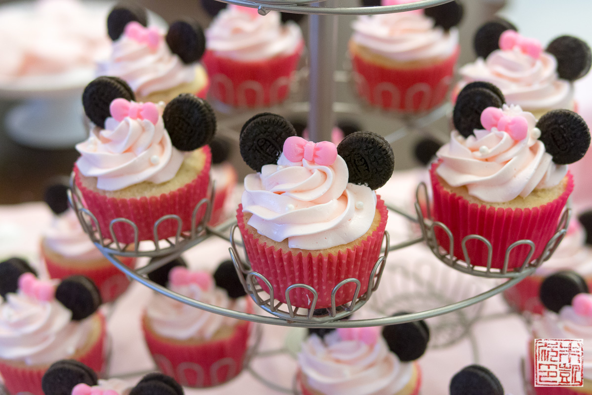 Minnie Mouse Cupcakes For A 3rd Birthday Party Dessert First