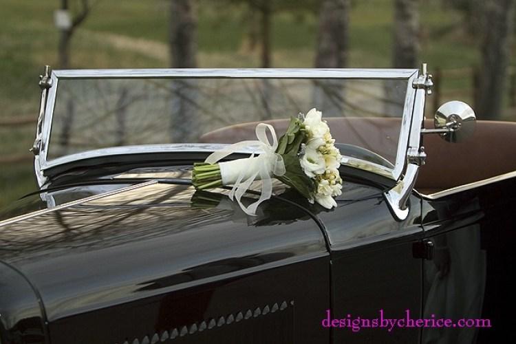 Wedding get away in a vintage roadster
