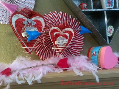 Valentine's Day Mantel with playing card garland and red & white paper fans #Valentine#mantel