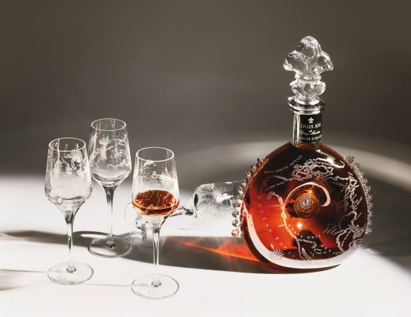 50 ARTISANS, 1,000 HOURS, 4 WORKS OF ART FROM LOUIS XIII COGNAC.