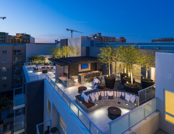 INTRODUCING LOS ANGELES' FIRST SOLAR-POWERED APARTMENT.