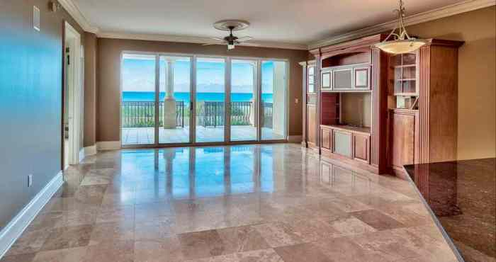 Avalon dunes condo unit 103 view of the open living room