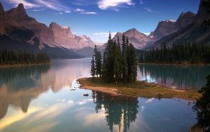 Objek Wisata Kumpulan Danau Terbaik Di Dunia2