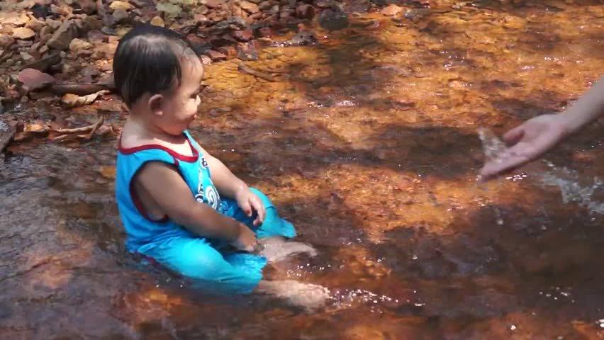 Nama Bayi Artinya Sungai   detikLife
