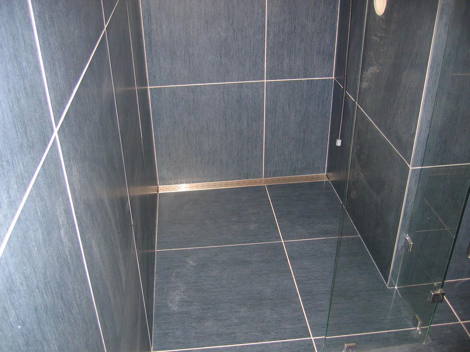 Anti Slip Tegels : Badkamer tegels antislip welke natuursteen kies ik in mijn