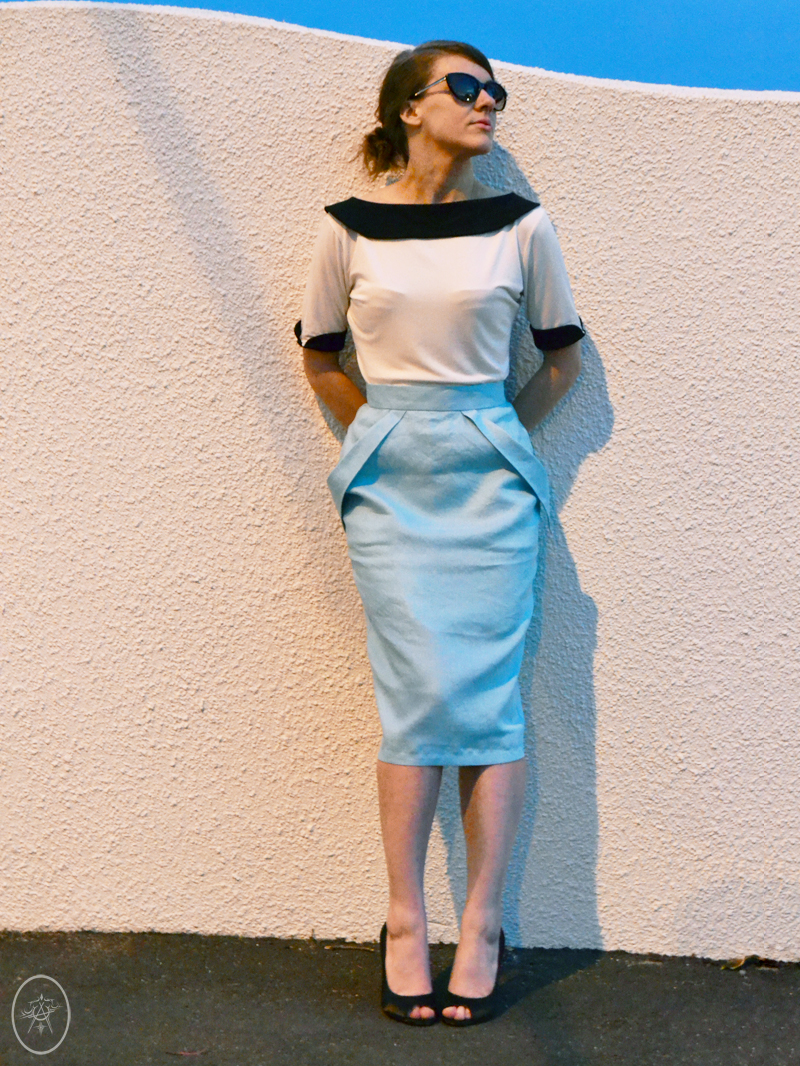 The WiggleFin Skirt in Teal Linen | Devel Women