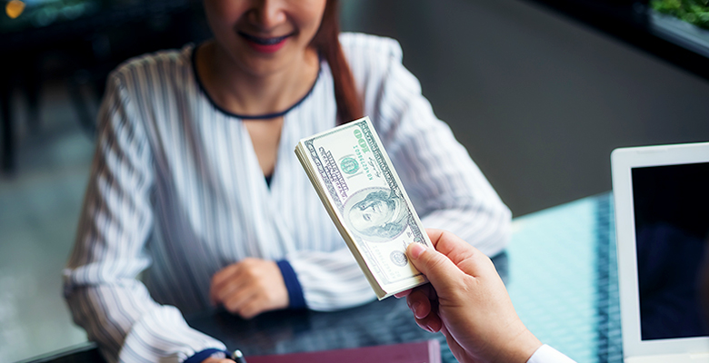 Job Offer in Hand?! Learn How to Negotiate Salary in a Pinch to Earn