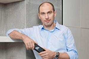 uspeshnyj-start-prodazh-yotaphone-4