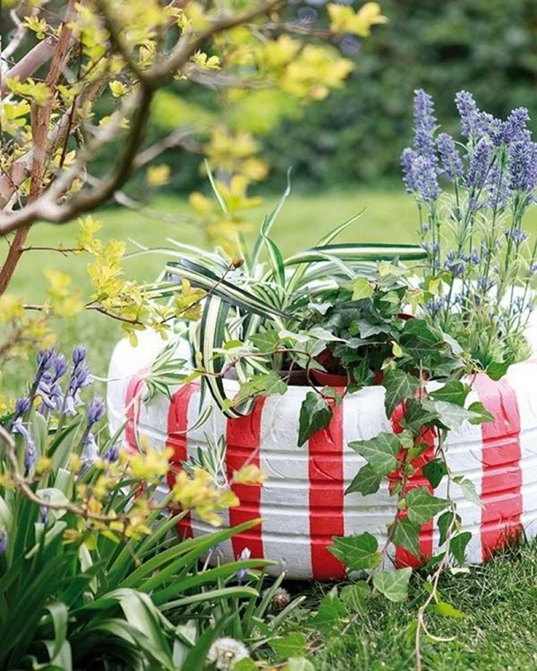 37 Easy And Cheap Beautiful Diy Garden Decor With Used Tire Ideas Dexorate