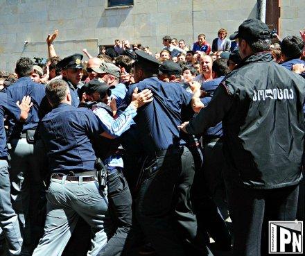 police line and crowd ii 2013-05-17