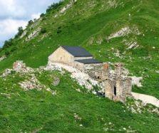 lomisi_monastery