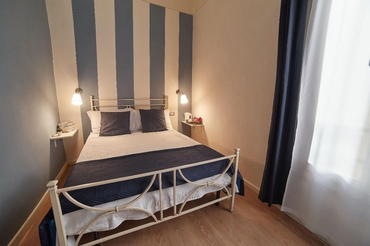 Bett 140x190 B B Bed And Breakfast Di Piazza Del Duomo Von Florenz