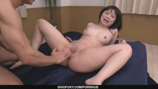 Two Older Guys Pound Hina Maeda´s Shaved Pussy