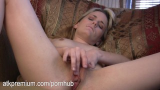 Sara Jaymes rubs her little pussy to orgasm