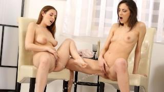 Piss o clock - Lesbians Enjoy Golden Showers