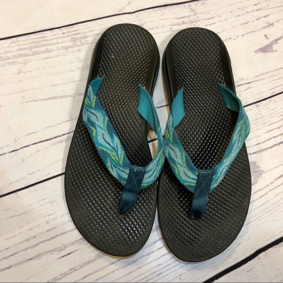 db072068904c Chaco Shoes Leaf Patterned Flip Flops Poshmark
