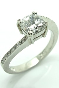 1ct Cushion Cut Diamond Engagement Ring in Platinum